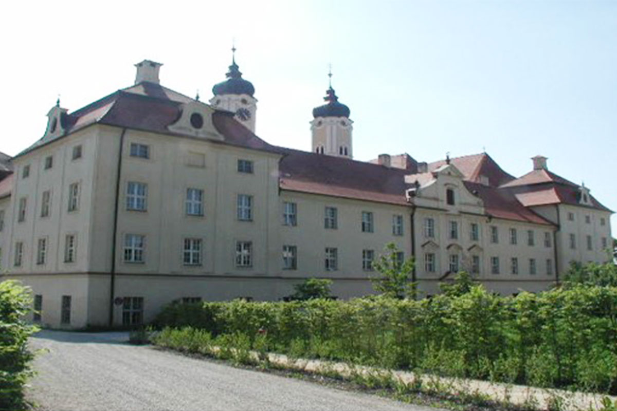 fileadmin/user_upload/Referenzen/Kloster_Roggenburg/Guettinger-Ingenieure_Kloster-Roggenburg_01.jpg